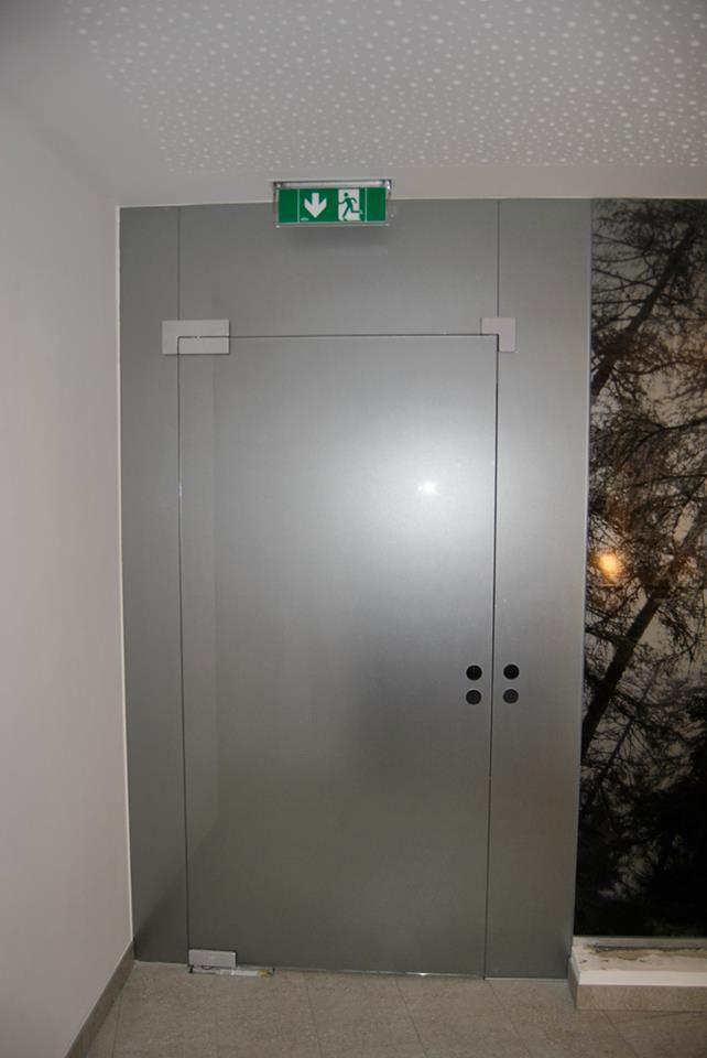 Chameleon Wrapping Company Eben im Pongau Salzburg Gestaltung eines Eingangsbereiches mit Glasdekor