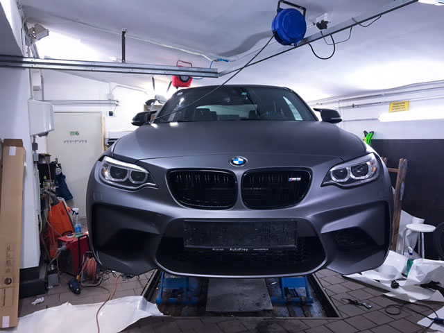 BMW- Folienbeklebung mit Folie Matt -anthrazit