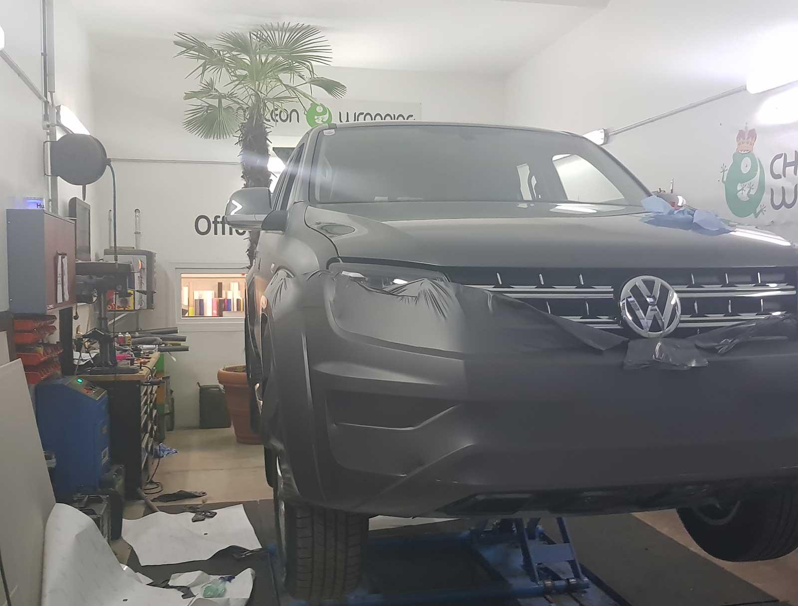 Folierung schwarz Beklebung VW