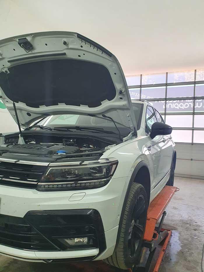 Folierung, carwrapping in der Werkstatt des Fachbetriebes für Autofolierungen in Salzburg