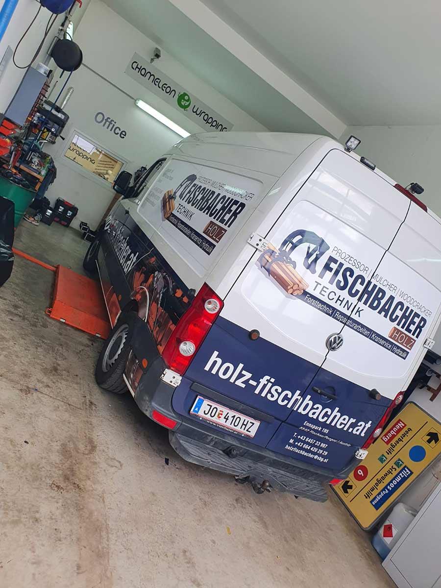 Autobeschriftung eines Firmenwagen